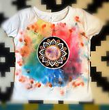Tričká - Maľované dámske tričko s mandalou - 11121174_