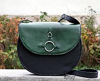 Kabelky - Ručně šitá kožená kabelka Emerald - 11121664_