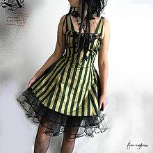 Šaty - Plesové... spoločenské...šaty s brošňou a spodničkou - 11125973_