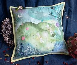Úžitkový textil - Svetielka Maľovaný/Vyšívaný vankúš - 11125247_