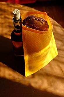 Úžitkový textil - Voskované vrecko Vreckáč 19x25cm (jarný bodkovanec) - 11123096_