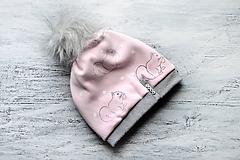 Detské čiapky - Zimná čiapka Obojstranná s Odopínacím brmbolcom veveričky pink & gray - 11126362_