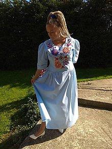 Šaty - Ručne vyšívané šaty - 11123733_
