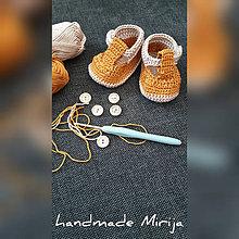 Topánočky - Háčkované baby topánočky - 11129059_
