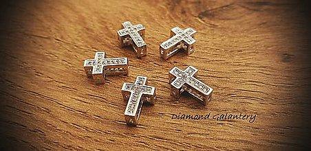 Korálky - Kovová korálka Krížik so štrasom 10 mm - 11126709_