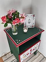 Nábytok - Ručne maľovaný stolík s rúžami - 11130081_