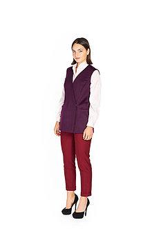 Kabáty - Tmavo fialová krátka vlnená vesta - 11127269_
