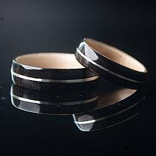 Prstene - Drevená svadobná obrúčka - eben / javor / striebro - 11127188_