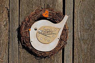 Dekorácie - Vtáčik vo venčeku č. 110 - 11127528_