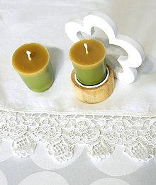 Svietidlá a sviečky - sviečka z včelieho vosku (zero waste) citrón/borovica (Žltá) - 11132977_