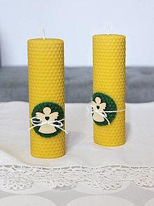 Svietidlá a sviečky - sviečka z včelieho vosku veľká s anjelikom - 11133182_