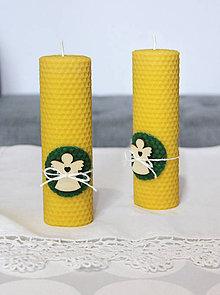 Svietidlá a sviečky - sviečka z včelieho vosku veľká s anjelikom  (Zelená) - 11133192_