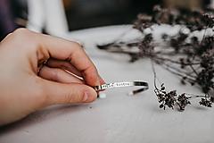 Náramky - Tenký oceľový náramok: veľká sestra - 11130367_