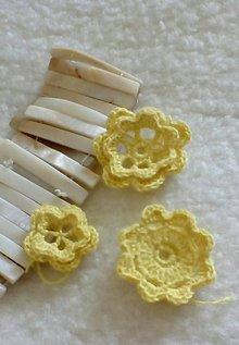 Drobnosti - háčkované kvietky žlté 1 - 11132954_