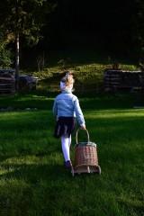 Košíky - Prútený kôš na kolieskach pre deti - 11132816_