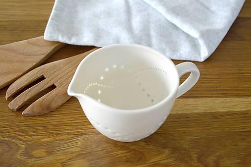 Madeirový porcelánový mliečnik vzor vlnky