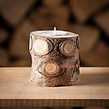 Svietidlá a sviečky - Okatý drevený svietnik prírodný (malý) - 11131169_