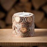 Svietidlá a sviečky - Okatý drevený svietnik prírodný (malý) - 11131170_