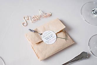 Drobnosti - Drôtené menovky na svadbu - 11131989_