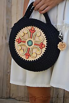 Kabelky - Drevená kabelka hačkovaná Marína (Čierna) - 11130874_