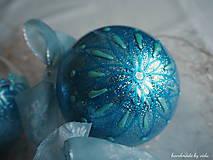 Dekorácie - MODRÉ vianočné gule s 3D fotkou - 11133161_