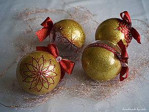 Dekorácie - ZLATO ČERVENÉ vianočné gule s 3D fotkou - 11133304_