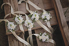 Náramky - Kvetinový náramok pre družičky - 11137175_