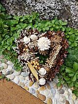 šiškové  prírodné srdce  na hrob s nápisom