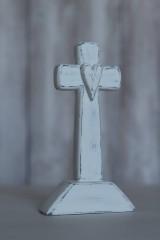Biely stojaci krížik