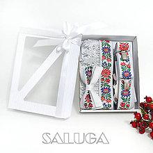 Doplnky - Darčekový balíček - kazeta - pre pár - folklórny opasok + motýlik + traky - 11136302_