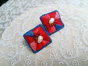 Náušnice - Vyšívané plsťové náušnice s perličkami a korálovými perličkami Poštovné ZDARMA - 11136162_
