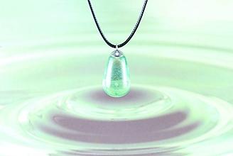 Náhrdelníky - Slza štastia zelená- FARBU SI VYBERTE! Živicový náhrdelník / prívesok (Fialová) - 11135801_