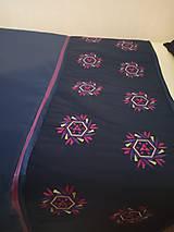 Úžitkový textil - Vyšívaný prehoz a vankúše - 11136142_