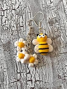 Náušnice - včielka a kvietky-náušnice - 11134573_