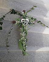 Dekorácie - kríž s konvalinkami na dušičky - 11139053_