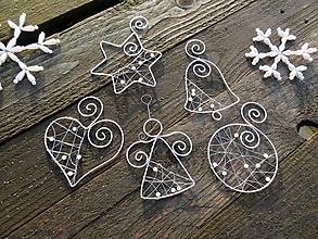 Dekorácie - strieborné vianoce z drôtu s bielymi perličkami... sada (1 kus ...podľa želania) - 11137924_