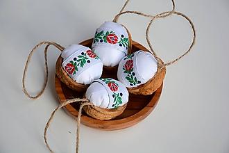 Dekorácie - Vianočné vlašské oriešky - 11140536_