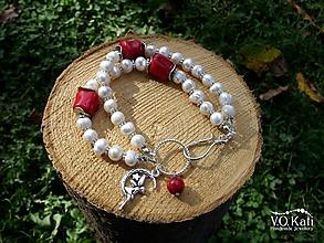 Náramky - Dvojradový náramok z koralu a riečnych perál - 11137616_