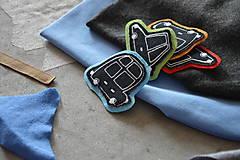 Detské čiapky - Čiapka Elastic s aplikáciou auto - 11140021_