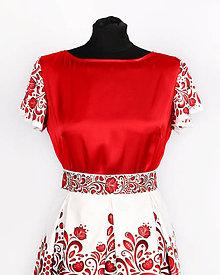 Topy - Saténový top s volánovými rukávmi- potlač FOLK ROSES (červený folk na bielej) - 11137506_