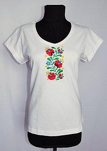 Tričká - Ručne vyšívané tričko - 11137919_
