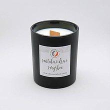 Svietidlá a sviečky - Santalové drevo s myrhou - sójová sviečka (M) - 11139917_