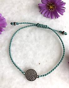 Náramky - Akvamarínový makramé náramok so strieborným stromom života z nerezovej ocele - 11143430_