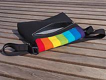 Kabelky - Taška crossbody s dúhovou klopou čierna - 11141150_