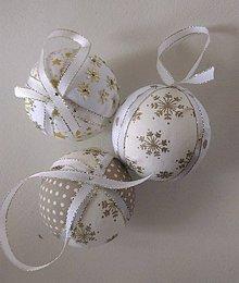 Dekorácie - Vianočné gule -sada /10 kusov/ - 11143559_