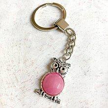 Kľúčenky - Raspberry Jade Owl Keychain / Kľúčenka s malinovým jadeitom - sova - 11147891_