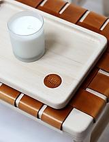 Nádoby - Drevený podnos s koženým logom PUREHOME - 11145743_