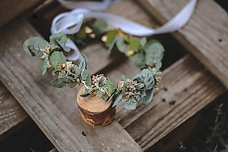 Ozdoby do vlasov - Venček z eukalyptu a so zlatými lístkami a bobuľkami - 11147234_