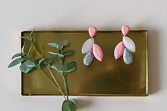 Náušnice - Visiace náušnice krátke - rose a biela - 11147654_