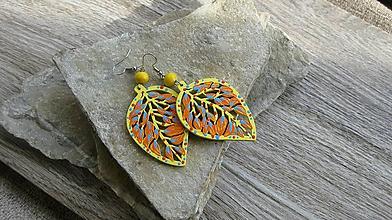 Náušnice - Veľké drevené maľované náušnice (žlto oranžové lístky č. 2871) - 11145933_